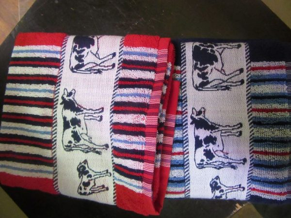 teatowels red and blue cows