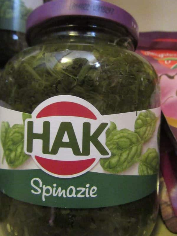 Spinach chopped by Hak