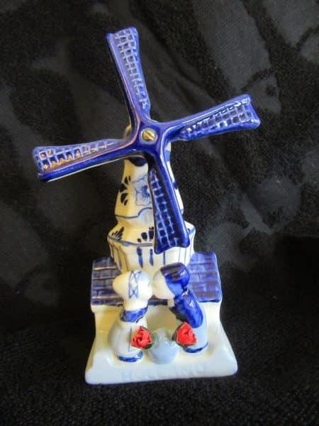 windmill kissing couple