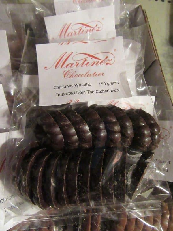 Martinez dark chocolate wreaths